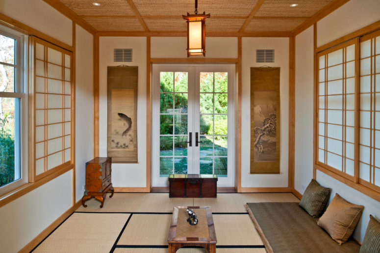 Asian inspired furniture is the simplest way to design a japanese-inspired living room. (Thompson Raissis Architects)