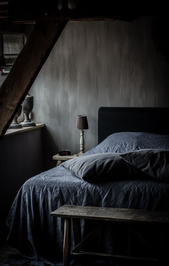 26 sexy moody bedroom designs that catch an eye digsdigs for Bedroom ideas dark grey