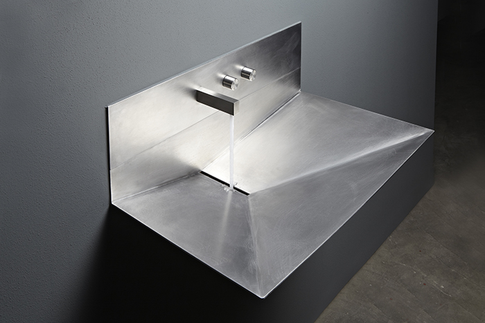 Lavandino is a stainless steel sink made of a single sheet and looking very  minimalist