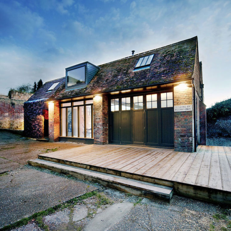 Rustic-Industrial Residence In A Garage Extension