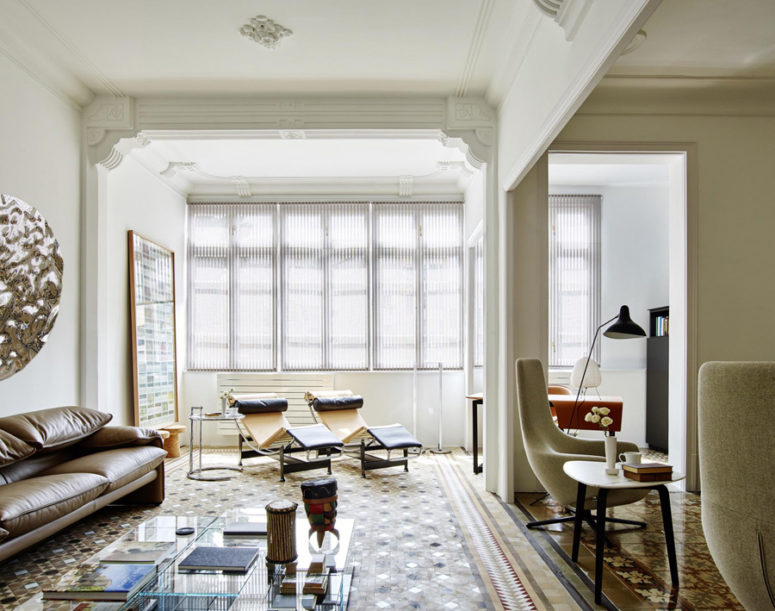 This modern eye catchy apartment with art nouveau touches was designed for an American couple in Barcelona