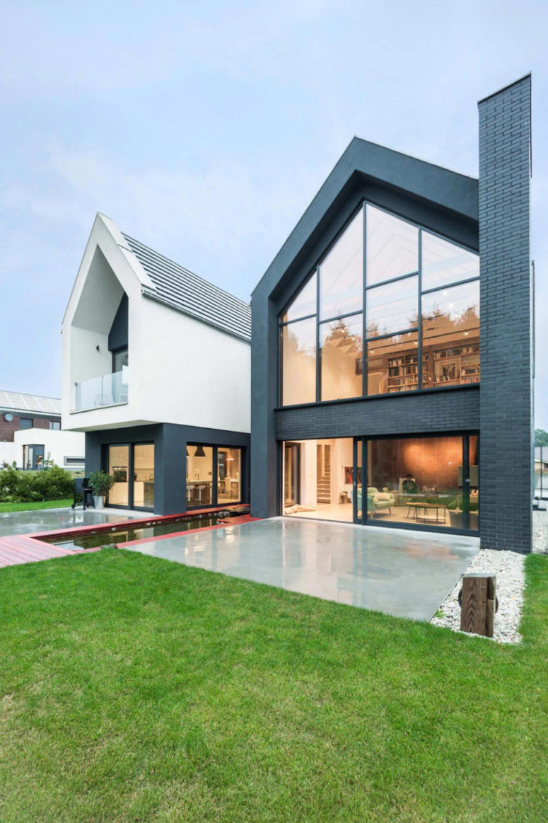 Modern Home Of Several Geometric Structures