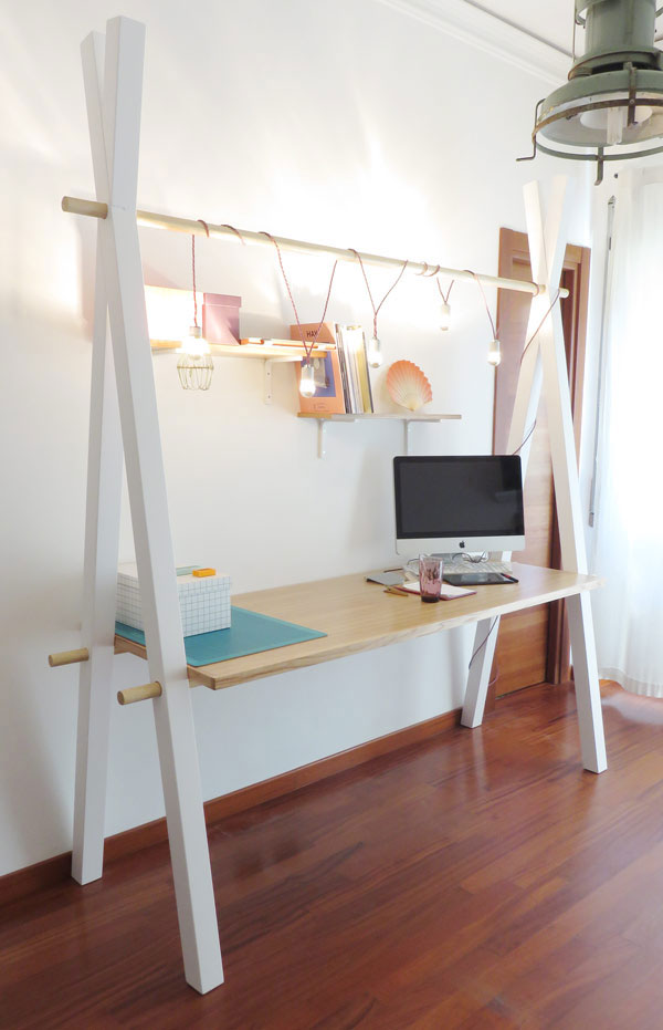 Functional Modern Desk With Crisscross Legs