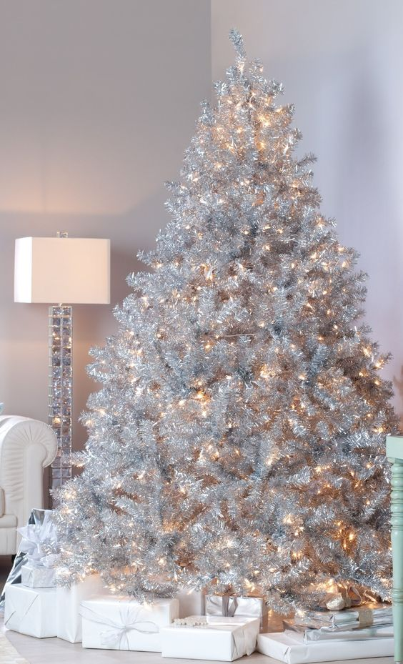 21 Silver Christmas Tree Dcor Ideas DigsDigs