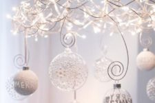 07 Christmas lights chandelier with transparent and wwhite ornaments