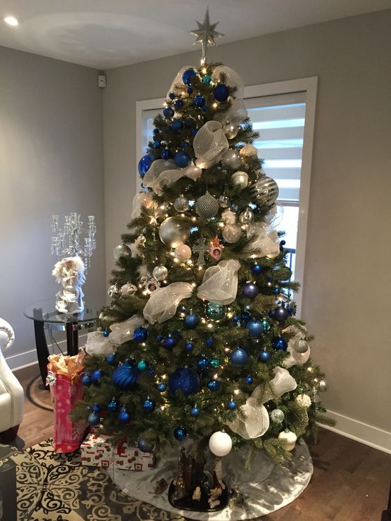 blue navy white ornaments and white ribbon - Blue White Christmas Decorating Ideas