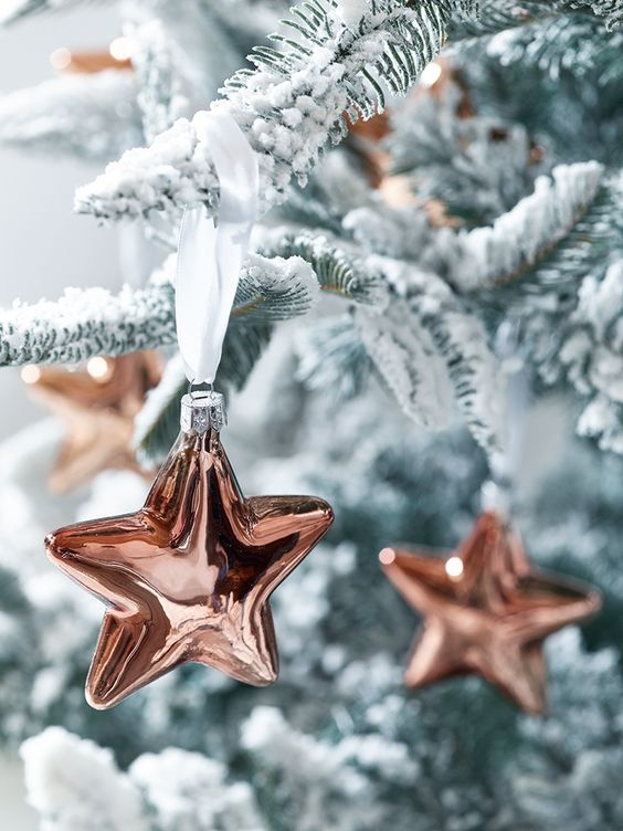 copper star ornaments are a cool idea for holidays