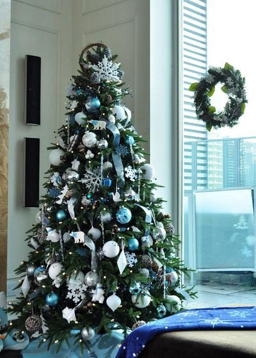 blue white and silver christmas tree decor - Blue And White Christmas Decorations