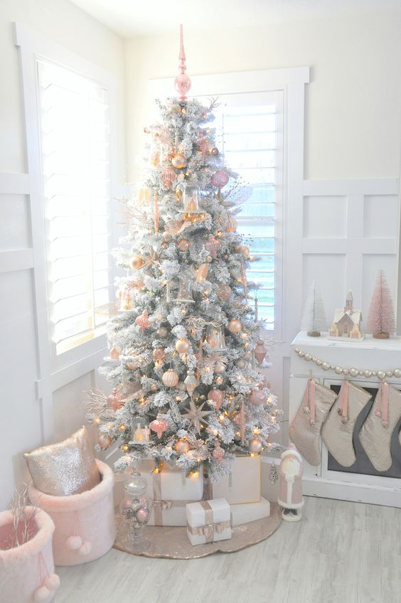 blush decor will make your tree cute, girlish and vintage-inspired