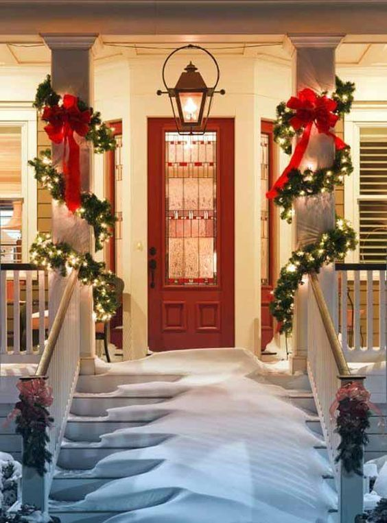 decorated bows porch pillars decor garlands wrapping holiday welcoming garland decorating lights decorations door decoration decorate digsdigs evergreen porches put