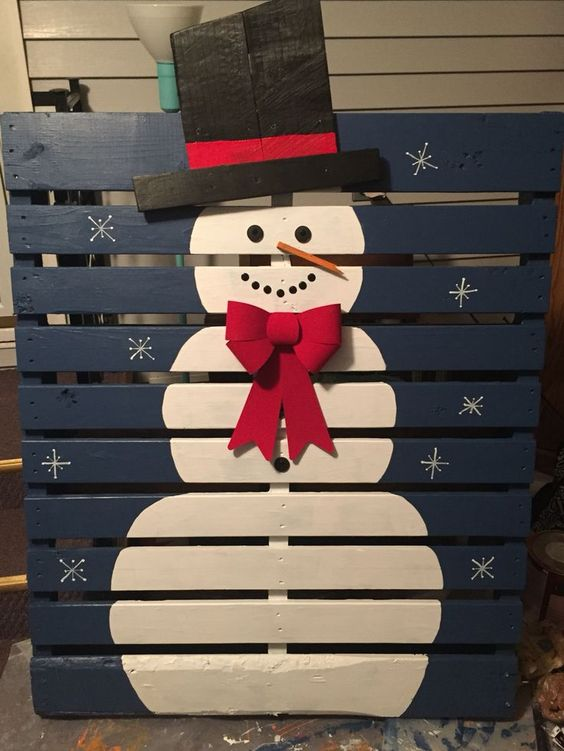 snowman pallet sign is easy to make and you can decorate every space with it