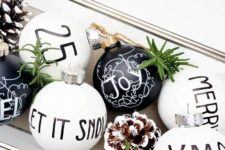 17 such monochrome ornaments can be easily DIYed