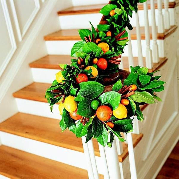 fruit and cinnamon garland will give your home a delicious small