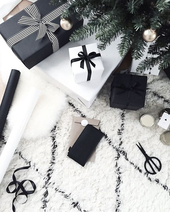 simple black and white gift wrappings