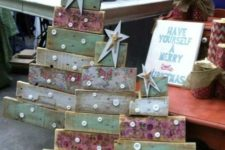 24 shabby reclaimed wood Christmas trees with buttons and stars