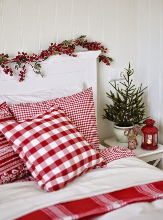 Cover Your Headboard With Berries And Use Red White Bedding For Winter Holidays