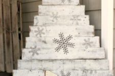 26 whitewashed pallet wood Christmas tree with snowflakes