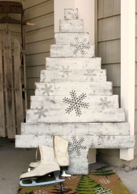 whitewashed pallet wood Christmas tree with snowflakes
