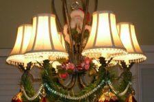 28 a Santa, ornaments and garlands for simple festive decor