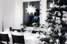 31 modern black and white Christmas decor, black balloons up
