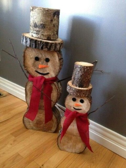 reclaimed wood snowmen with red bows
