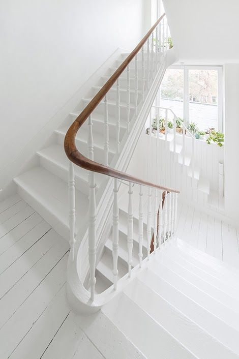 30 stylish staircase handrail ideas to get inspired digsdigs - Give home signature look elegant balustrades ...