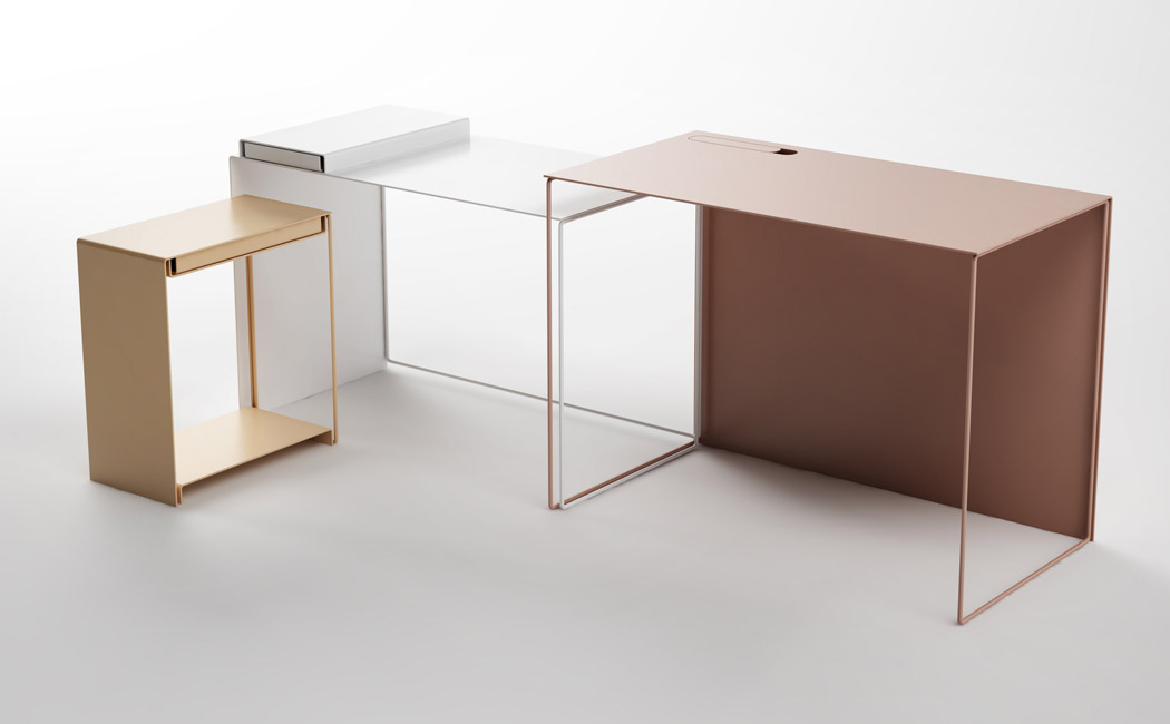 Use every piece as you wish, the desk is ideal both for offices and homes