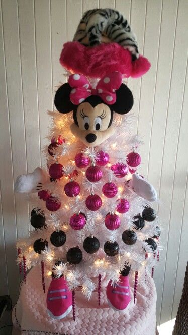 Minnie Mouse tree with pink and black ornaments is perfect for kids' room's Christmas decor