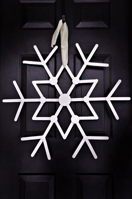 oversized snowflake Christmas wreath