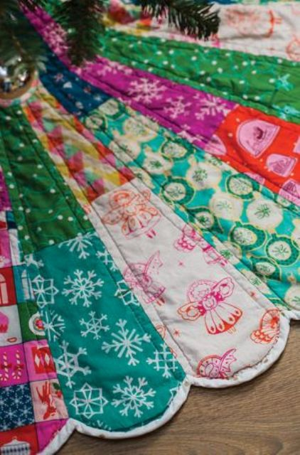 colorful patchwork scallop edge Christmas tree skirt