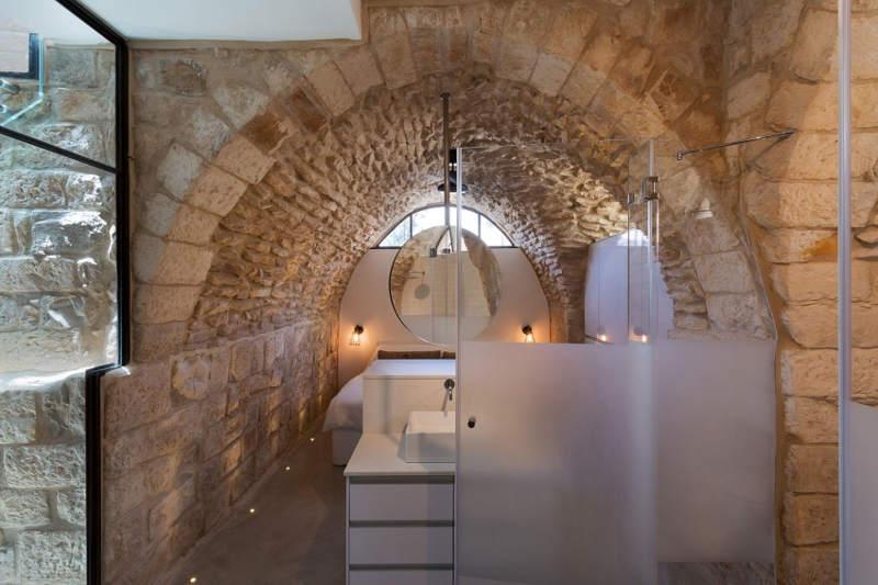 bathroom in stone