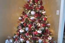 10 Santa Claus Christmas tree with a hat and a belt cover