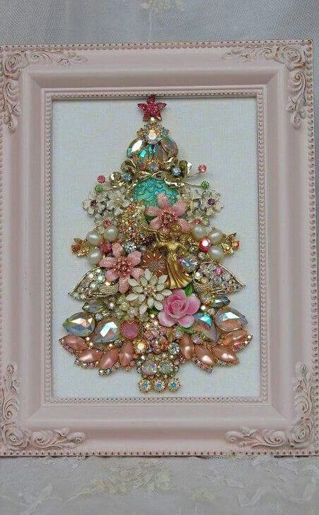 44 delicate shabby chic christmas d cor ideas digsdigs for Shabby chic frames diy