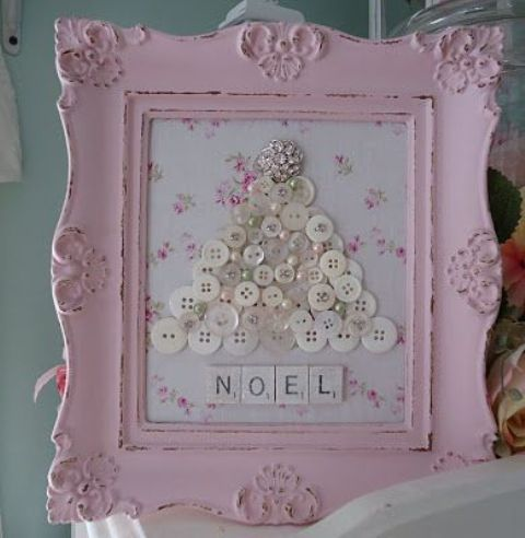 button Christmas tree in a pink shabby chic frame