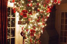 14 traditional decor for an upside down Christmas tree