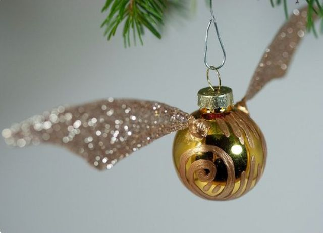 Golden Snitch ornament can be easily DIYed