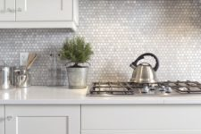 21 tiny mother of pearl tiles for a chic and glam kitchen look