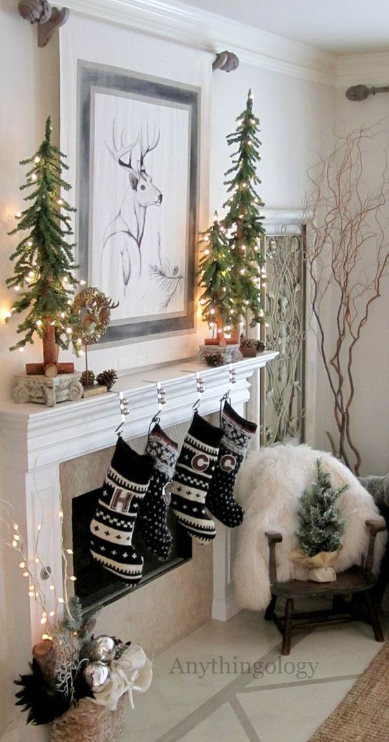 41 chic modern christmas d cor ideas digsdigs - Modern christmas mantel ideas ...