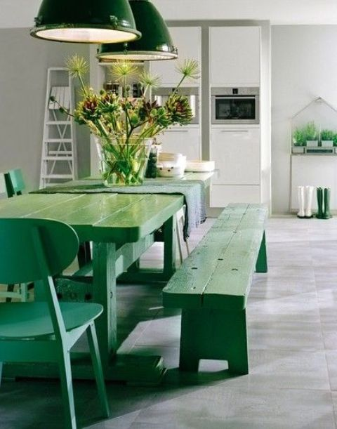 fresh green picnic dining set to make a statement