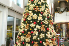 32 teddy bear Christmas tree will be loved by kids
