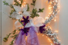 34 lit up snowman wreath with a monogram and tulle