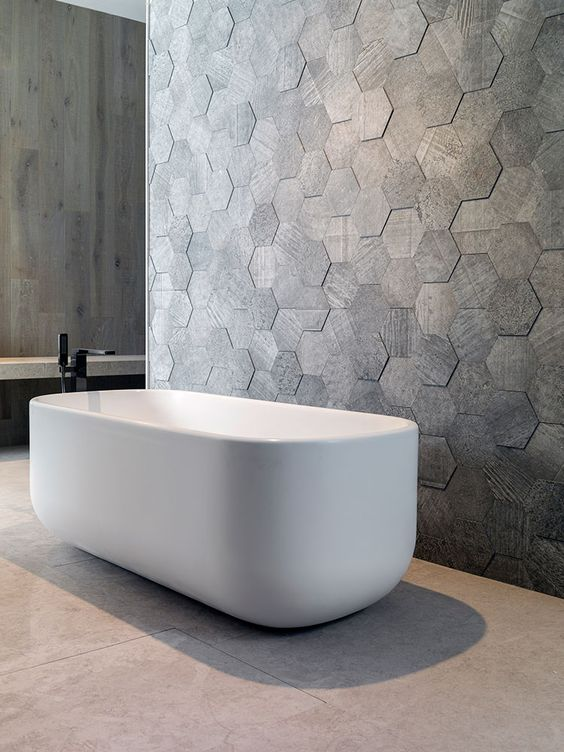 Superbe 2D Hexagonal Tiles In The Bathtub Area