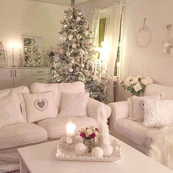 44 delicate shabby chic christmas d cor ideas digsdigs. Black Bedroom Furniture Sets. Home Design Ideas