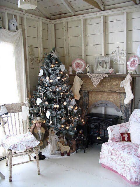 44 Delicate Shabby Chic Christmas Décor Ideas