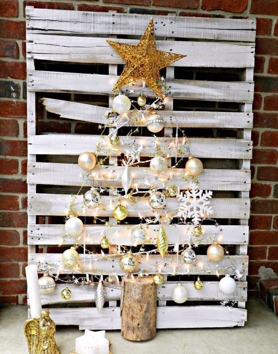 whitewahsed pallet Christmas tree with gold ornaments and decor