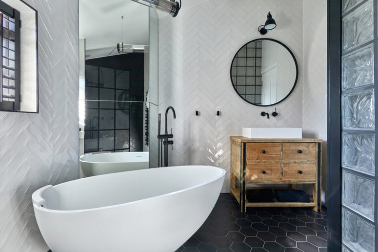 black hex tiles work well with white grout to create contrast in a monochrome bathroom (Claudia Dorsch Interior Design Ltd)