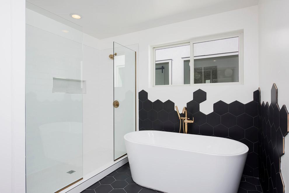 60 Stylish Hexagon Tiles Ideas For Bathrooms