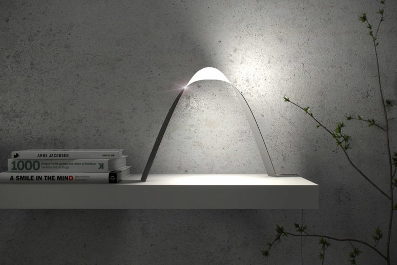 Ultra-Thin Link Lamp That Shines In Several Directions