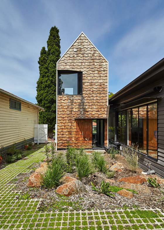 The Tower House is a unique building fully sustainable and adapted to the clients' needs