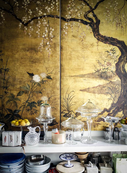 Hecreated an exquisite home with anituqe finds, cool glam furniture and stunning artworks that perfectly fit